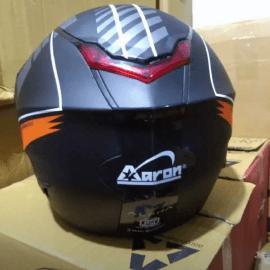 Helmet Aaron